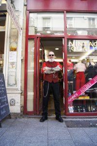 Le look de Dom - Look de rue dans Le marais - Le Marais Mood