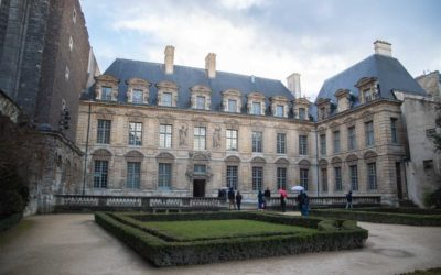 Hôtel de Sully : le joyau de la rue Saint-Antoine