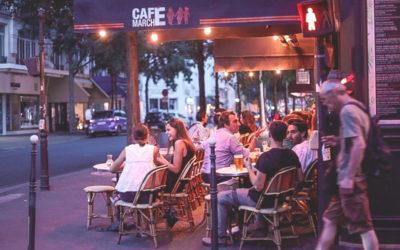 Un café au cœur du village