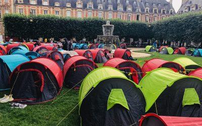 400 sans-abri campent place des Vosges